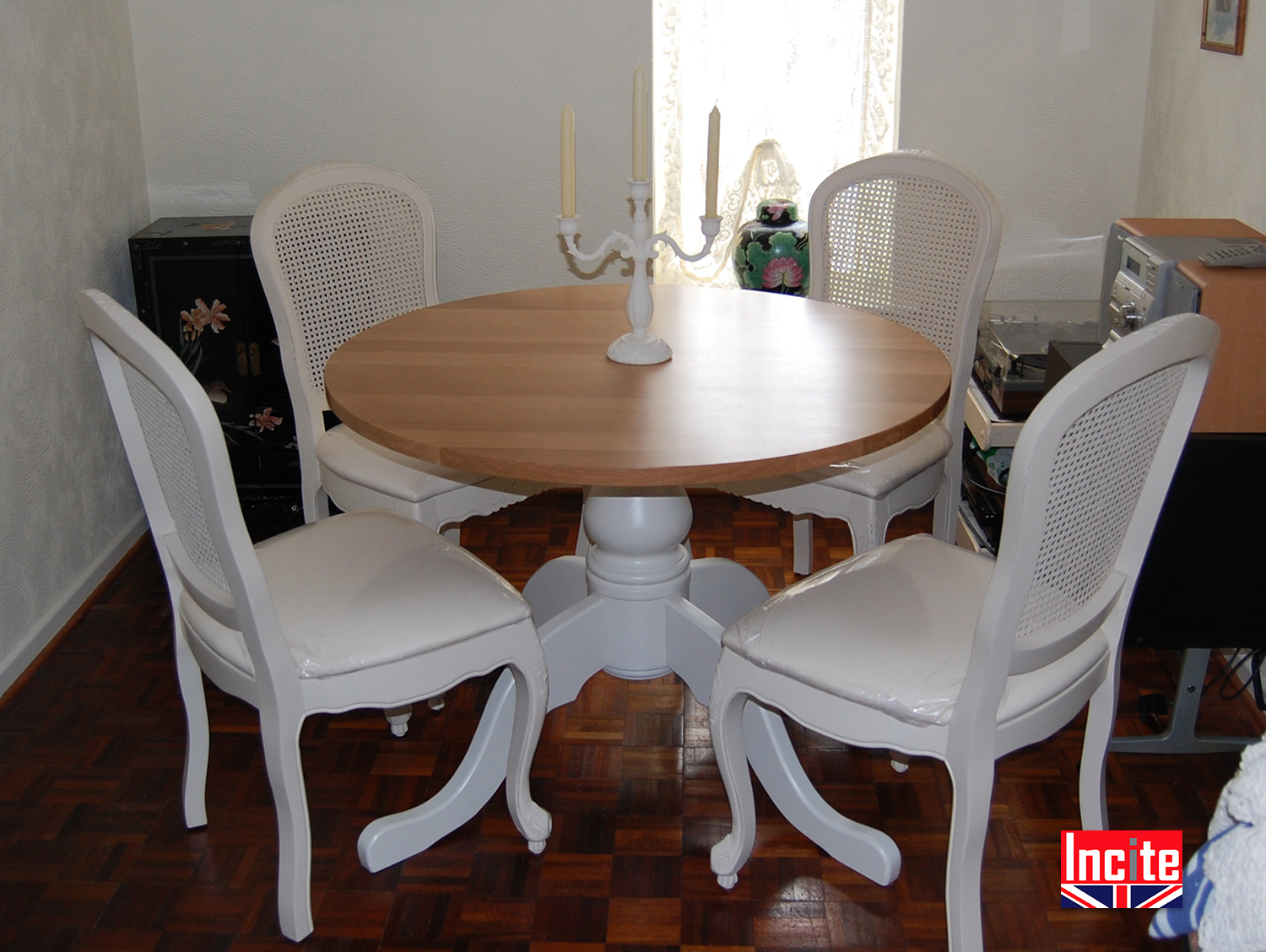 Painted pine and solid oak round table incite interiors for Painted round dining table and chairs