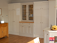 Wooden Custom made painted kitchen units made to order by Incite Interiors. Solid Wood Carcass, painted with Farrow and Ball Paint, Custom made to plan, free quote, no obligation, competitive prices, No pushy sales, Derby, Derbyshire, Nottingham, Nottinghamshire,