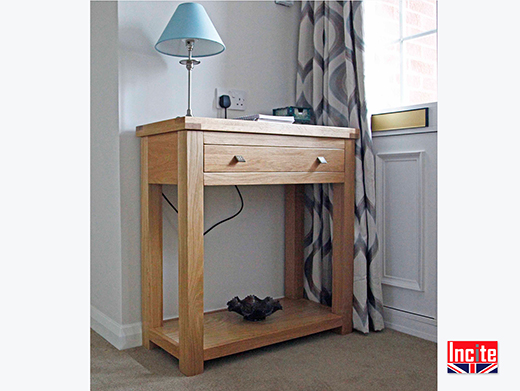 Oak Console with 1 Drawer and Shelf