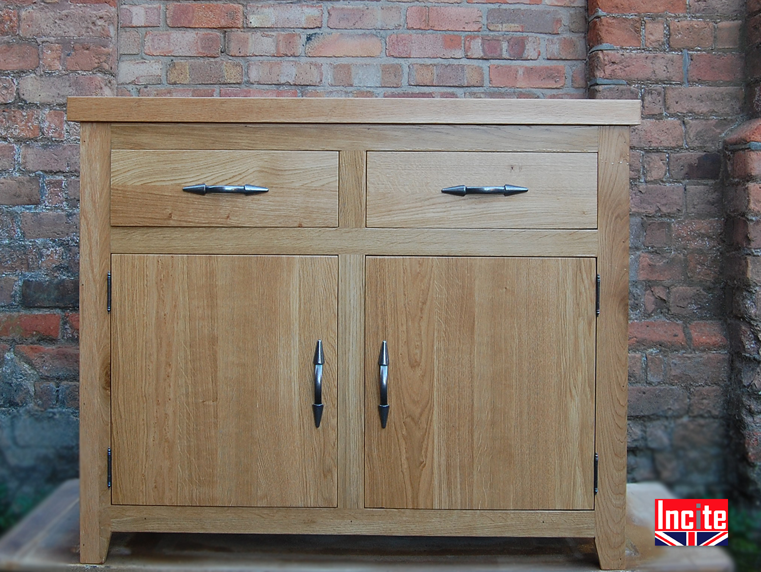 Oak 3ft 2 Door 2 Drawer Sideboard