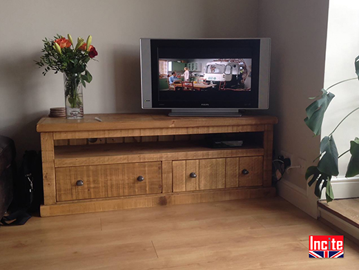 Plank Pine Solid Wooden TV Cabinet