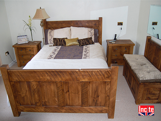 Rustic Plank Pine Panel Bed