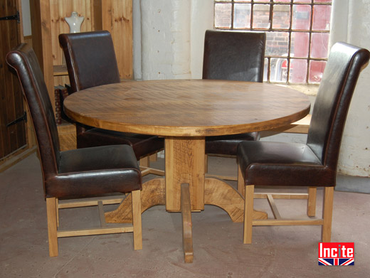 Chunky Pine Round Pedestal Table