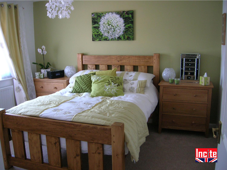 Plank pine wooden slat bed